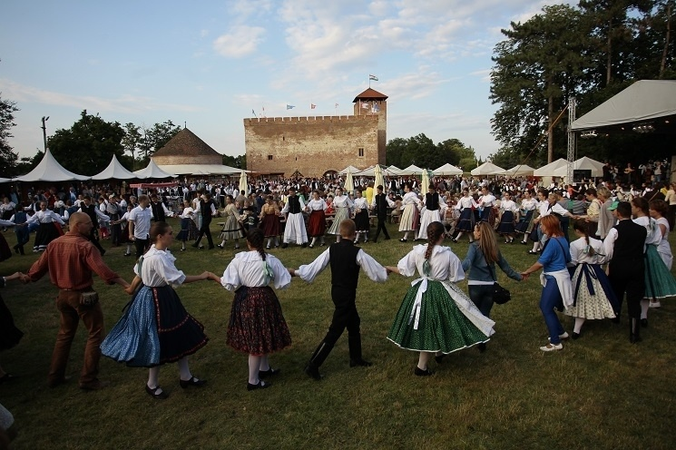 Koros-volgyi-sokadalom-nepmuveszeti-fesztival